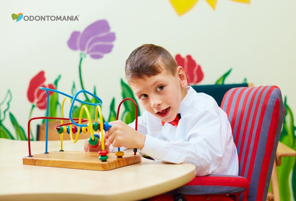 pacientes-especiais-odontopediatria-clinica-odontomania